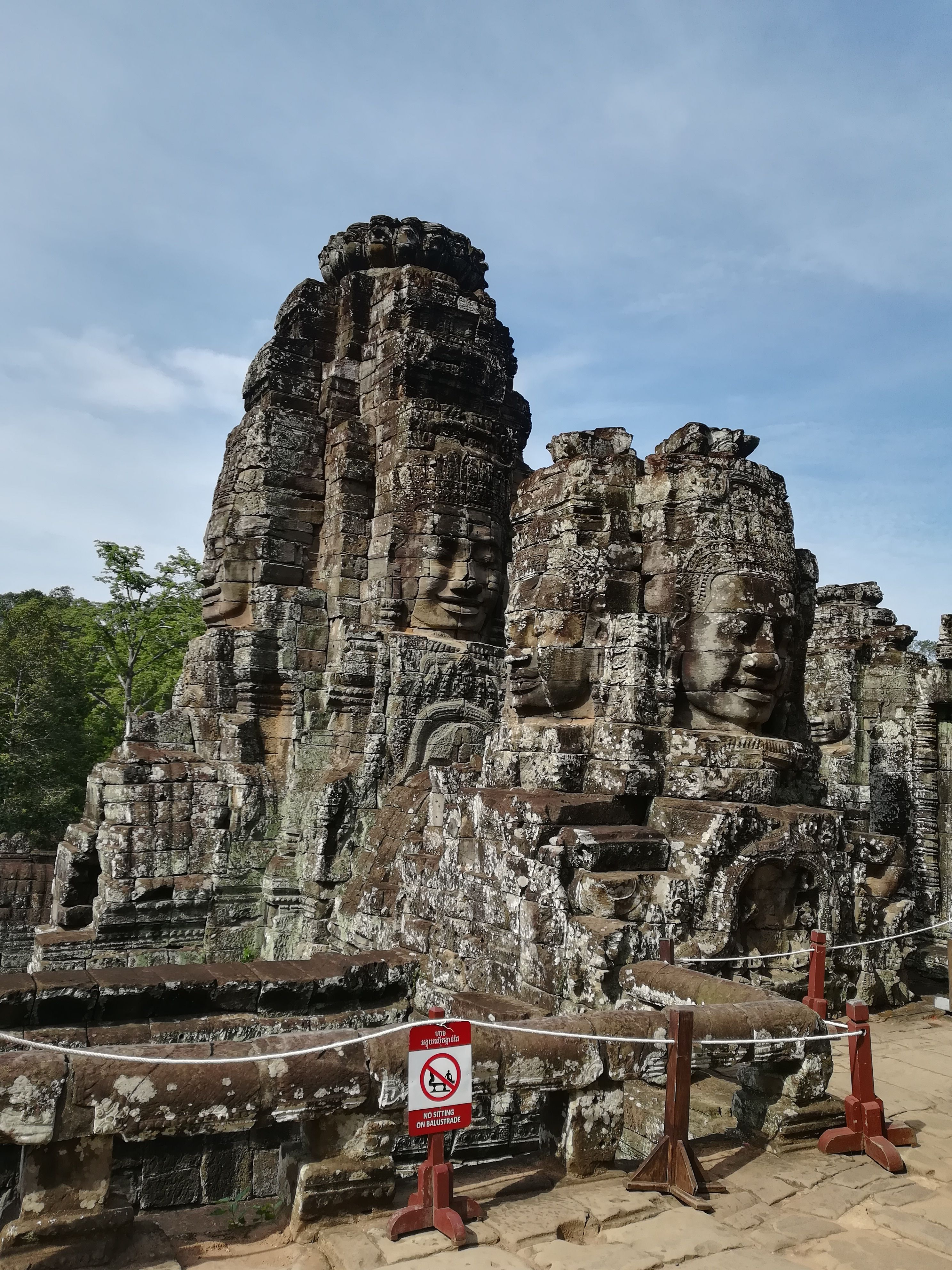 How to do Angkor Wat Temple tour? How much are the ticket for Angkor Wat Temple? How to get to Angkor Wat Temple from Siem Reap City #siemreap #angkorwat #cambodia #asia #travel #blog #travelblog #mywonderfultrips