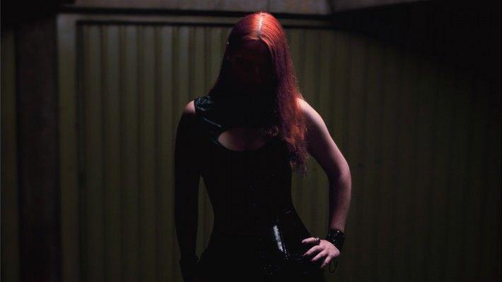 """PORTRAITS - Série """"Underground"""" - modèle alternatif : Plume Demay.  Dark gothic mood - ambiance gothique sombre."""