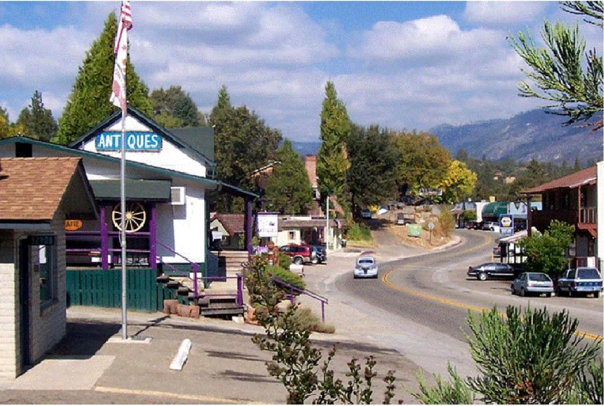 Oakhurst California Ca. Small Town