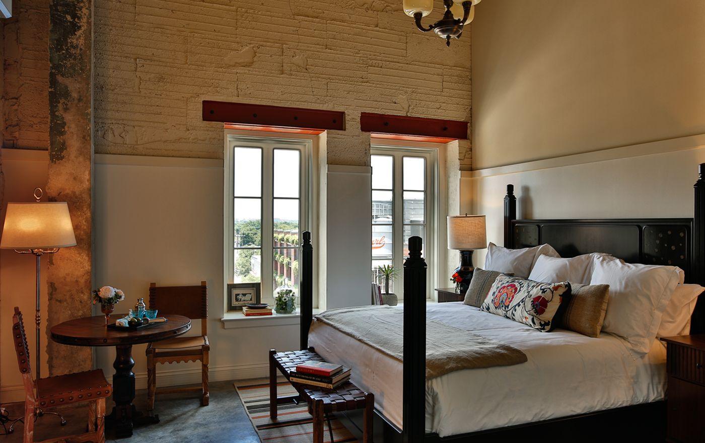 Guest Room at Hotel Emma San