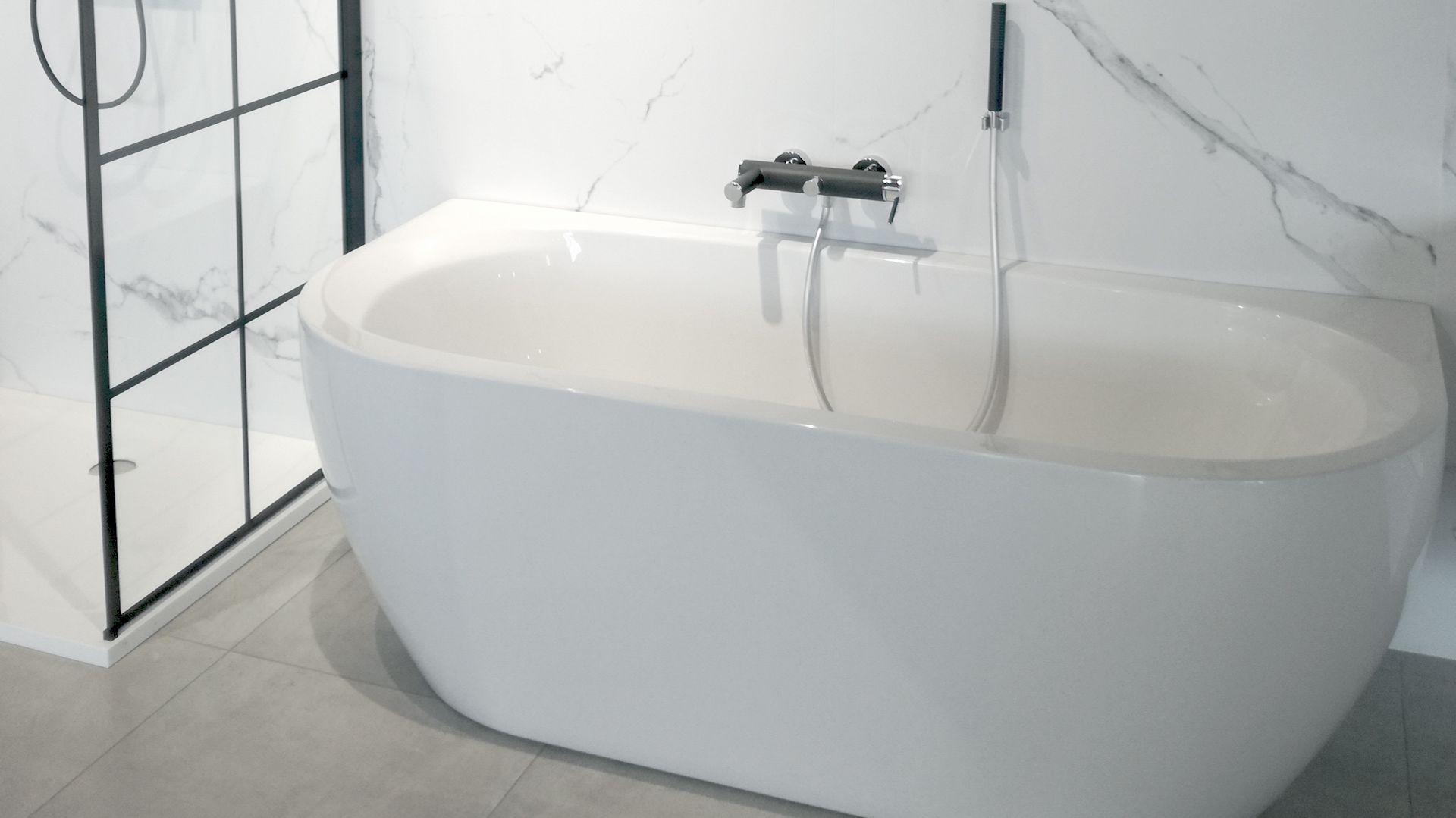 Wanna Przyscienna Monoblock Vigour Derby To Polaczenie Funkcjonalnosci Z Uniwersalnym Wygladem Wiecej Dowiesz Sie Na Https Elements Sh Bathtub Bathroom
