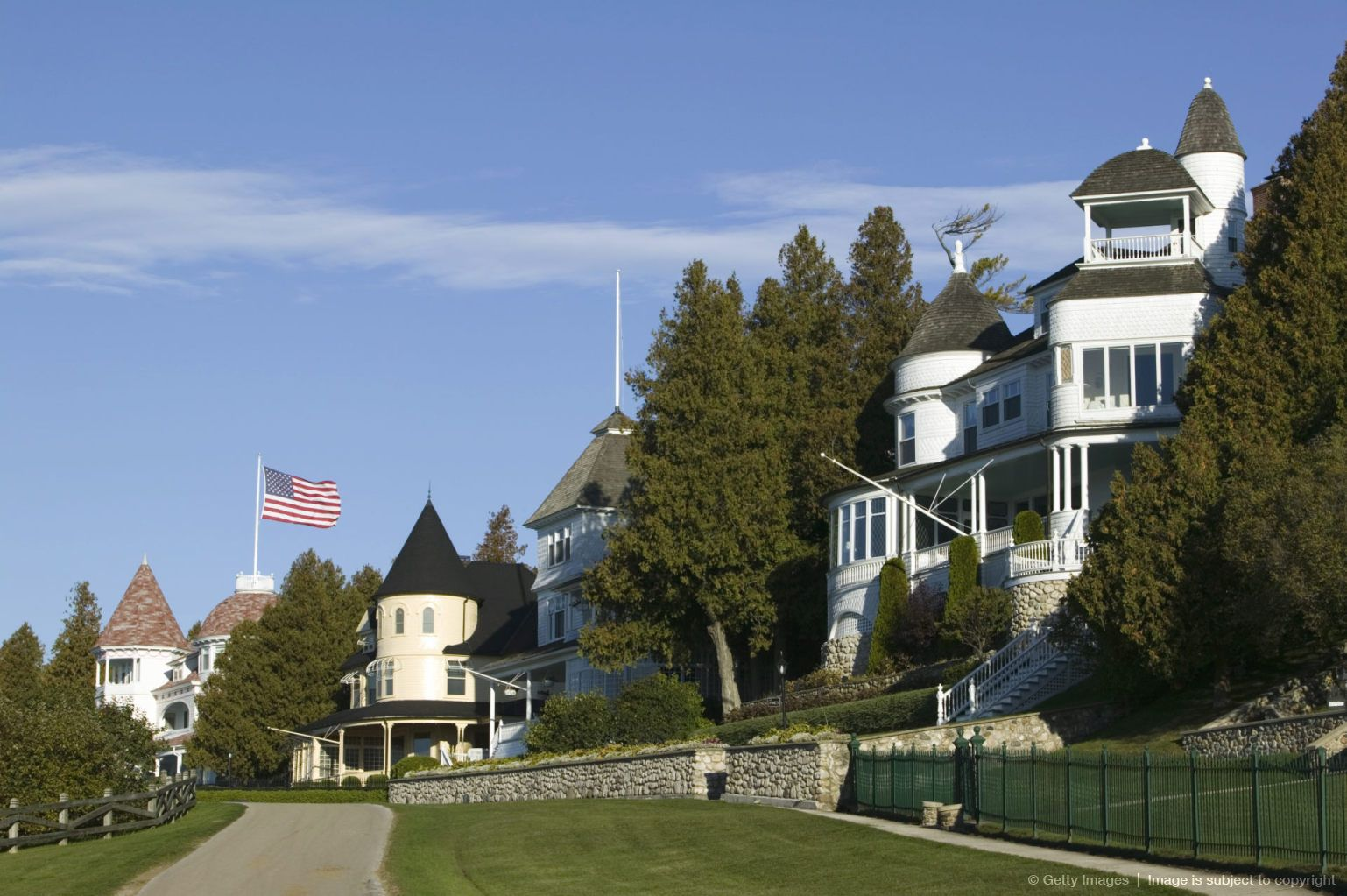 Image Detail For Houses Along West Bluff Road Mackinac Island Straits Of Mackinac Michigan Usa Mackinac Island Places To Travel Beautiful Home Gardens
