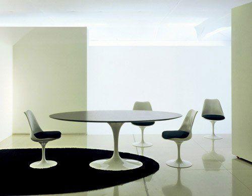 Saarinen Tavolo ~ The elusive saarinen tulip table in black tulip table