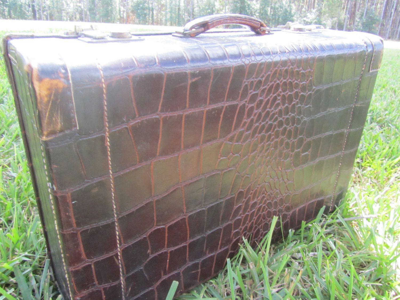 VINTAGE SUITCASE, Vintage Leather Suitcase, Towne USA