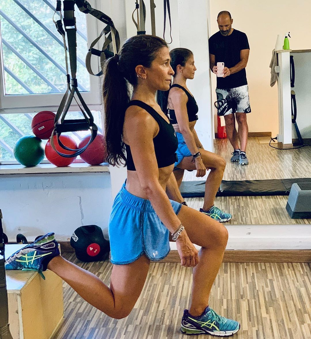 9 00 10 00 Functional Training Pilatesromaeur Functionaltraining Fitness Functional Training Strength Training For Beginners Bodyweight Strength Training