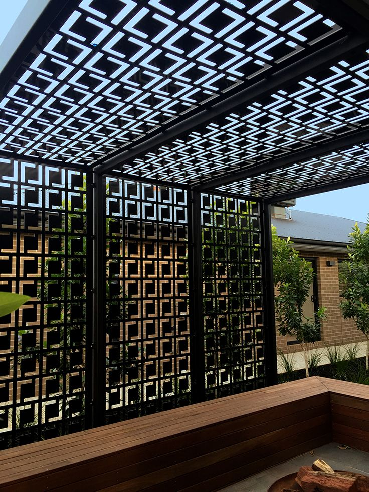 Decorative privacy screen & pergola using QAQ's 'Babylon' design. - Decorative Privacy Screen & Pergola Using QAQ's 'Babylon' Design