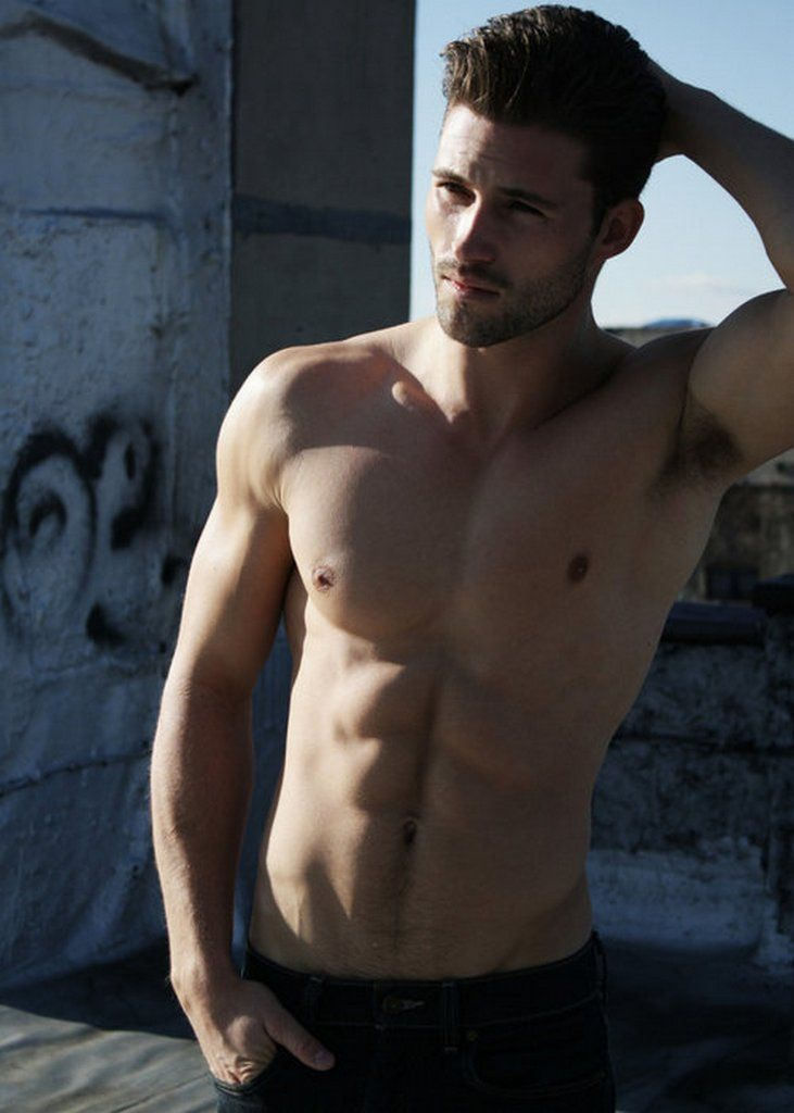 Pics Of Hot Guys Without Shirts