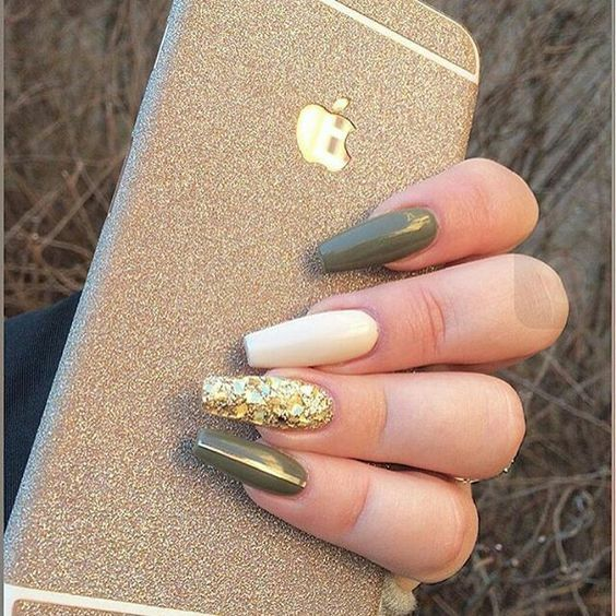 Grey, cream and gold coffin nails - Follow @viibewithkiyah For More Poppin Pins ✨ Nails Pinterest
