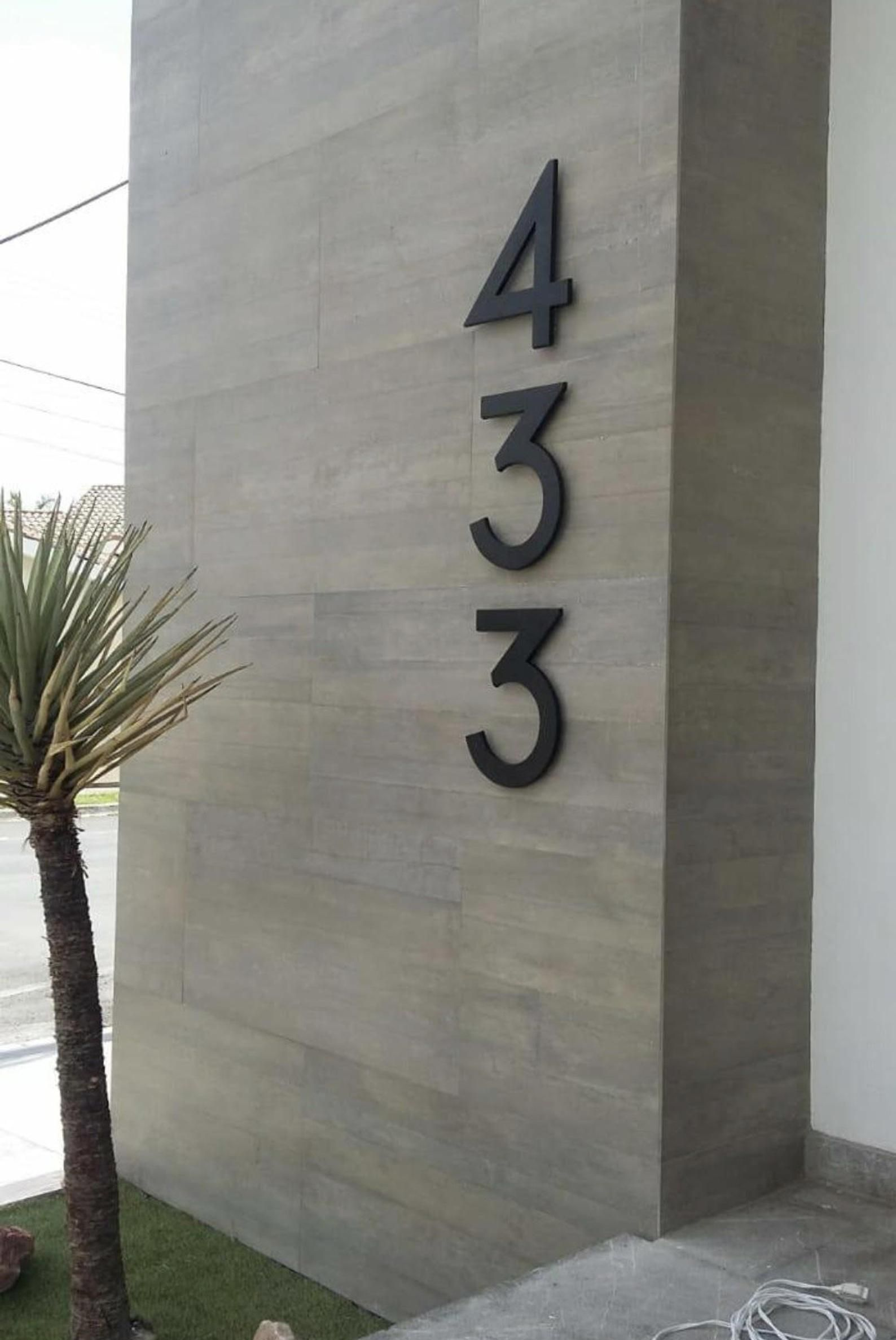 Modern House Numbers Set Of 4 Aluminum House Numbers Metal Etsy Metal House Numbers Modern House Number House Numbers Diy