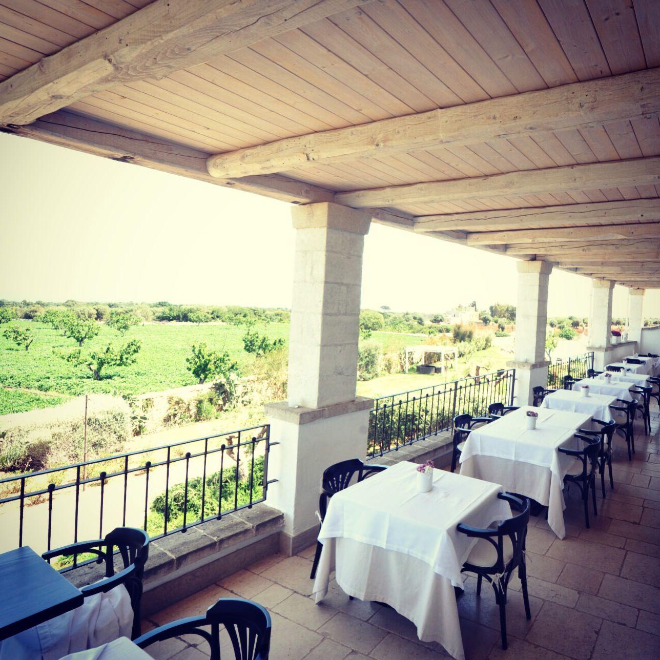 Terrazza Panoramica del White Gourmet Restaurant http://www.borgobianco.it/it/il-ristorante/