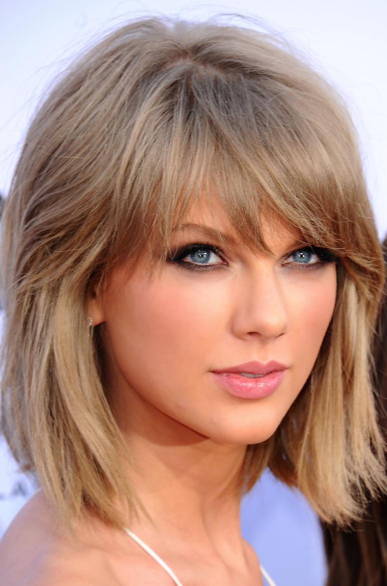 Taylor Swift 2015 Billboard Awards Bangs Oval Face