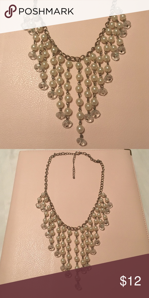 ⚪️Clear beads Statement necklace Perfect necklace to make every outfit killer. I'm good condition Jewelry Necklaces