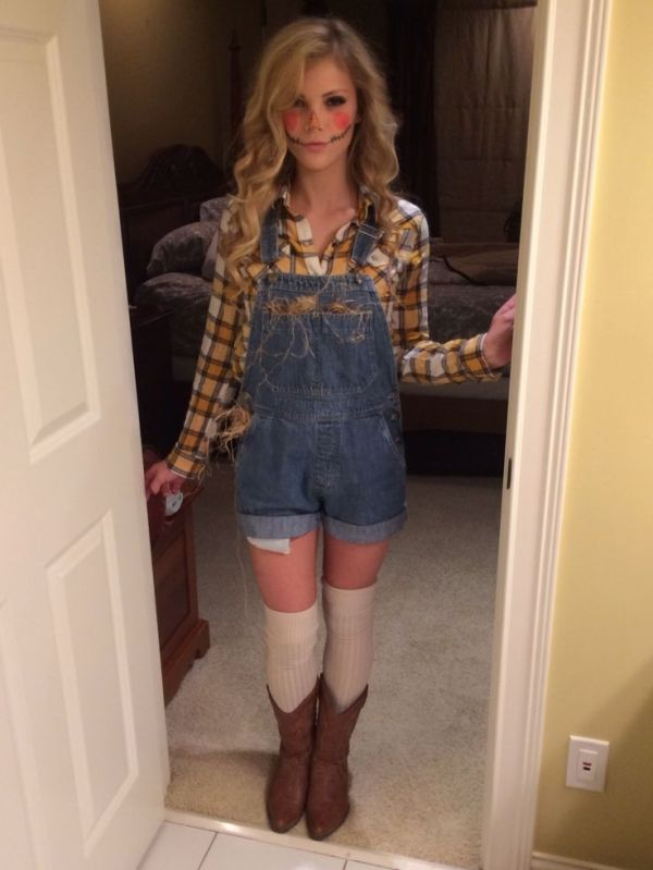Diy scarecrow costume by leah costumes pinterest diy scarecrow bows pearls sorority girls 35 last minute diy halloween costumes solutioingenieria Gallery