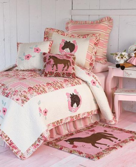 Bedding with horses on it for girls kids horse theme for Cowgirl bedroom ideas