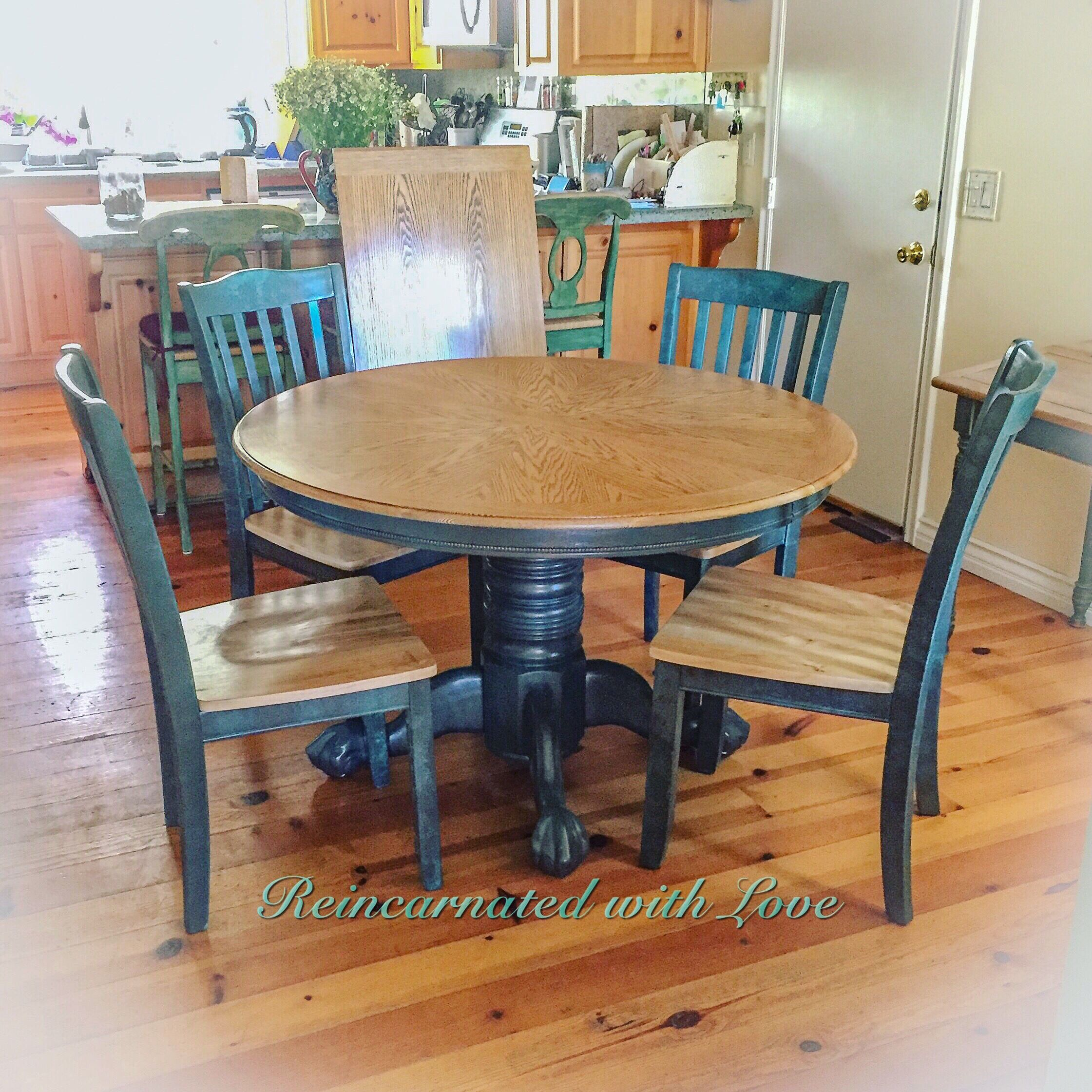 Shabby Chic Dining Set Pedestal Table Chairs With Matching Extension Leaf Shabby Chic Kitchen Table Farmhouse Kitchen Tables Shabby Chic Dining Tables