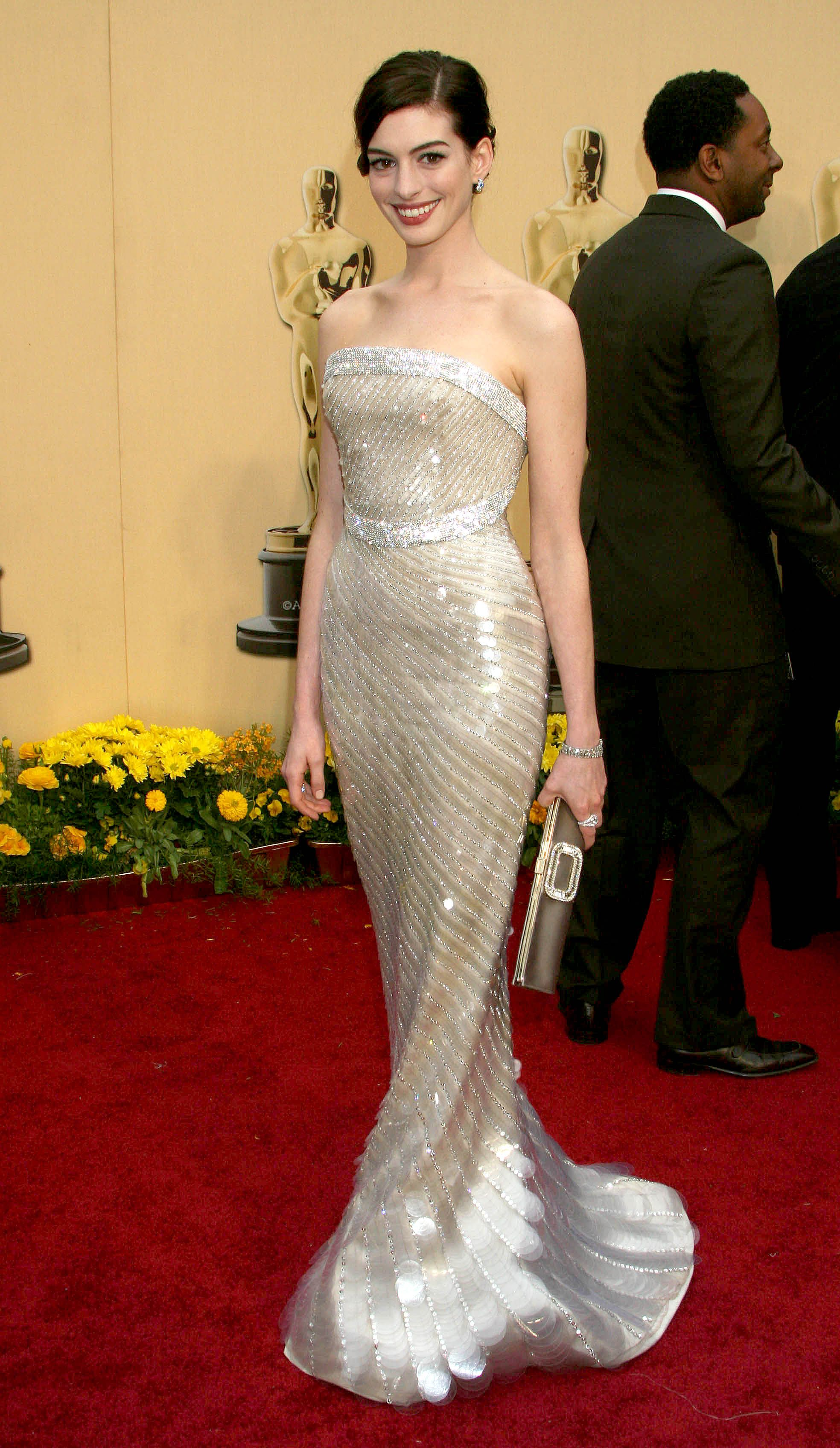 Anne Hathaway Dress | Iconic Glam Dresses | Pinterest | Anne ...