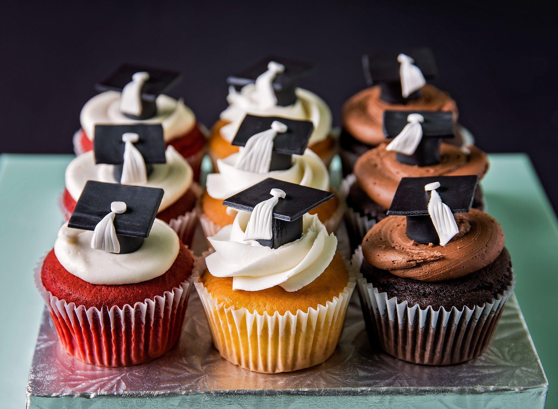 Graduation Cupcakes Made By Chef Aura Fuenmayor Myrtle Beach Sc
