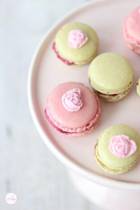 Cheesecake Macarons mit Waldbeeren - Lisbeths