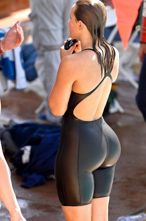Big booty in bathing suit