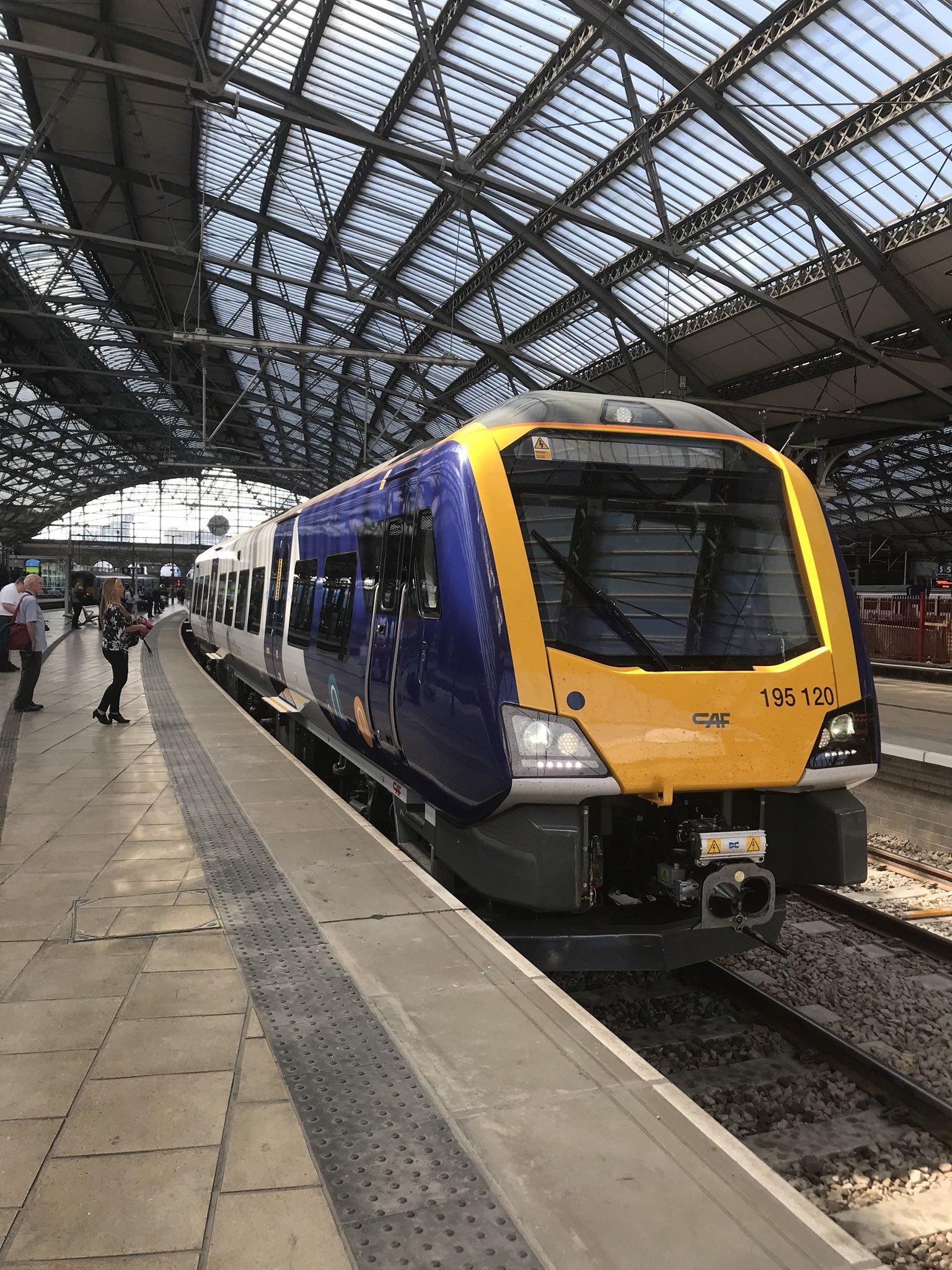 cbab7d8f68c868db7a84377f80b6d704 - How To Get From Manchester Train Station To Airport