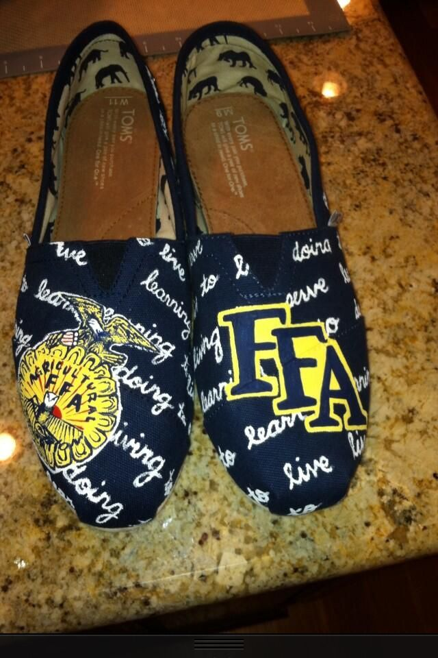 FFA Toms, I'd totally wear those! I freakin love the crap out of these. | FFA | Pinterest | FFA ...