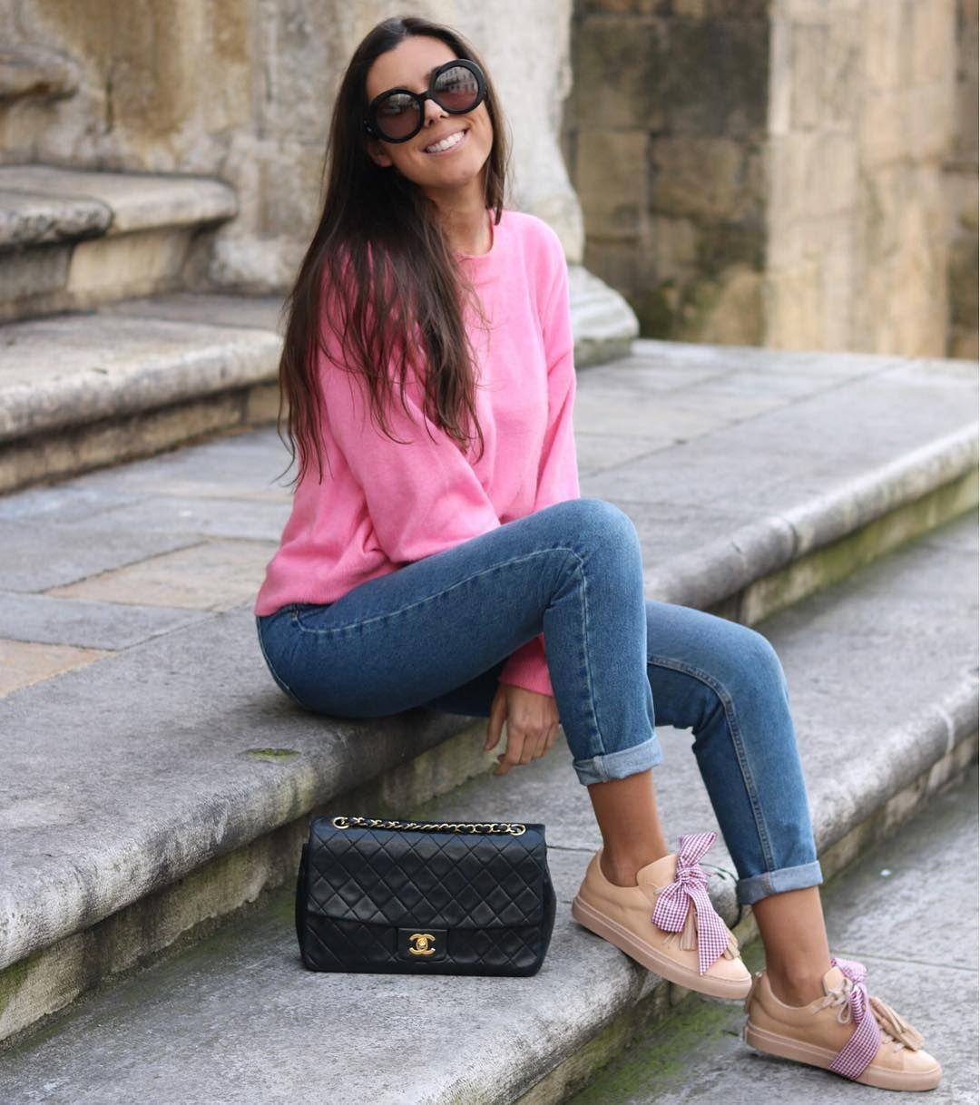 Carolina (@thefrenchfries) wears Benetton TV31100 sweater ❤