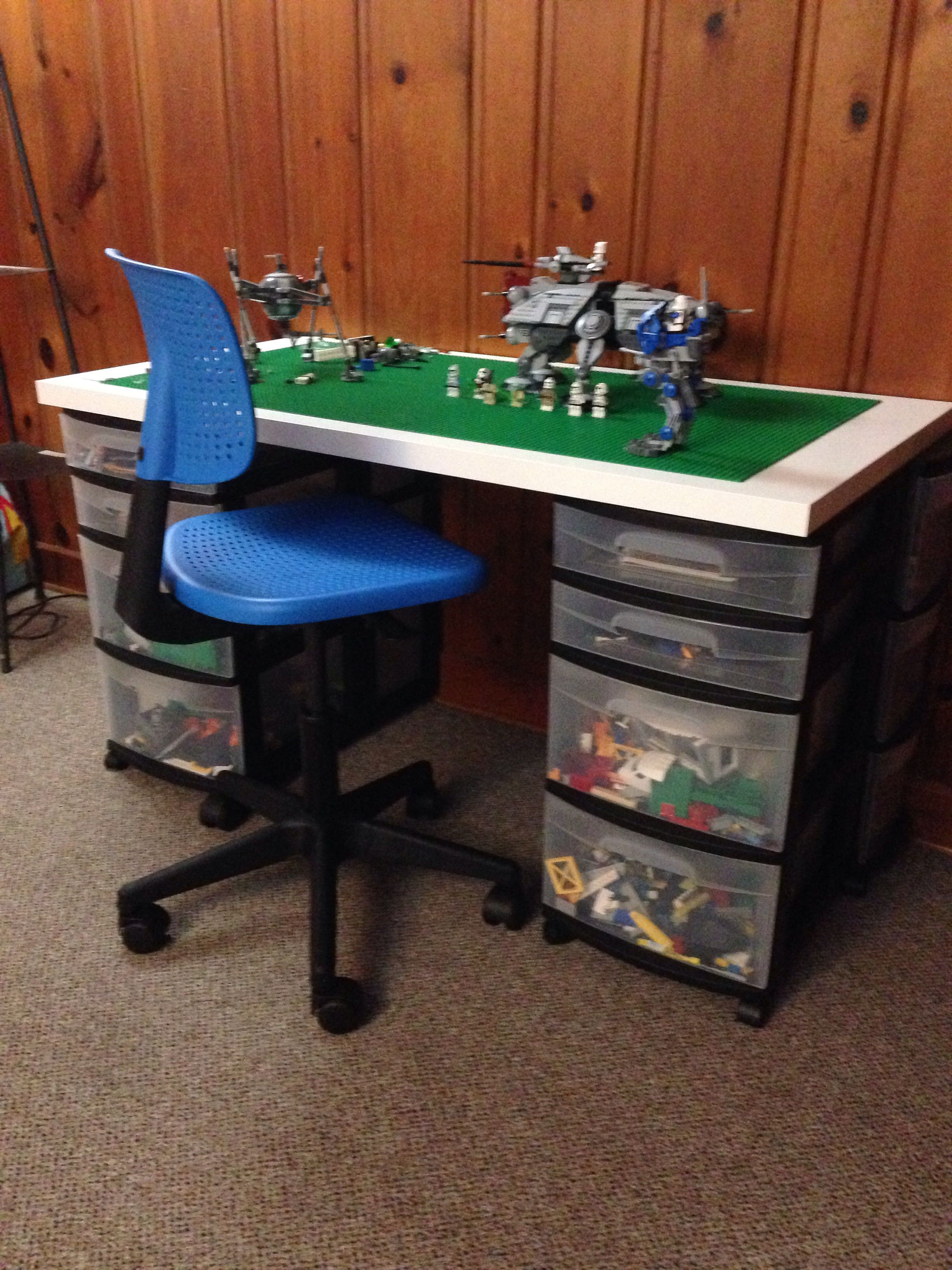 DIY Lego table  Ikea desk table top, 8 Lego plates, 4