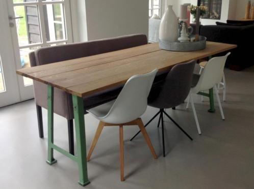 Super Prachtige eettafel in verfijnde industriële / scandinavische stijl MA-48