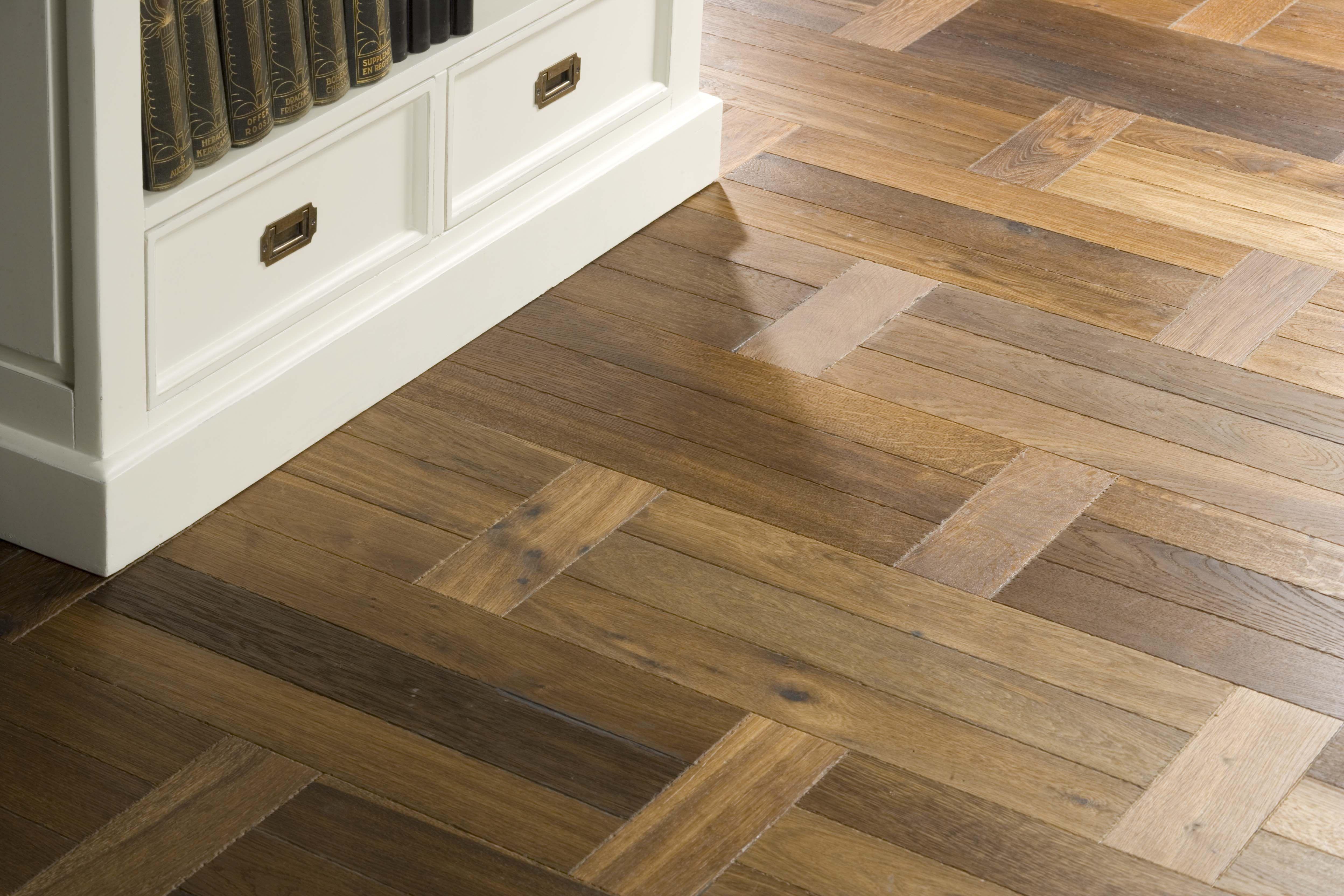 Houten Vloer Veert : Almaparket vloeren breda houten vloer in een klassiek