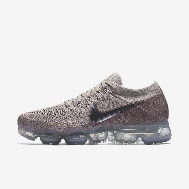 Compre Tênis Nike Air VaporMax Flyknit Feminino e mais Artigos Esportivos em até sem juros na loja Oficial da Nike. Acesse já e Confira! Mulheres Nike, Tênis Air Max, Sapatos Nike, Tênis Nike, Comprar Tênis, Moda Praia, Sapatilhas, Feminino, Ar Condicionado
