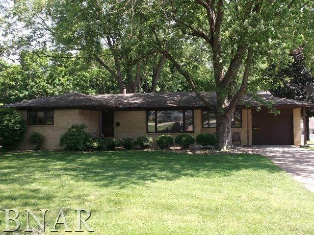 For Sale 149900 701 Maple Place Normal Il 61761 Homes For