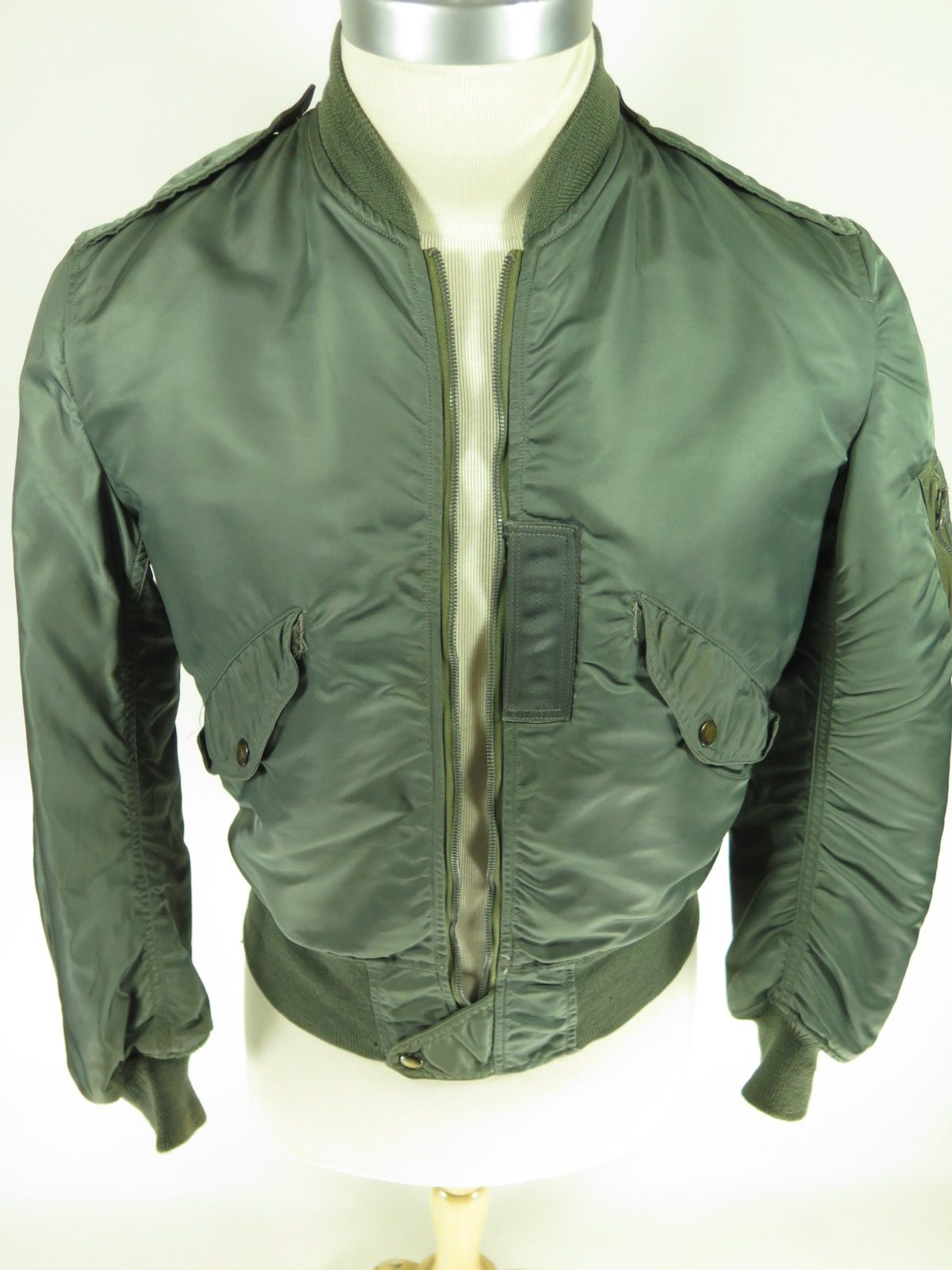 Vintage Skyline Type L 2b Flight Jacket Sage Green Find More Men S And Women S Authentic Vintage Clothing At The Clothing Vaul Jackets Clothes Vintage Outfits [ 1600 x 1200 Pixel ]