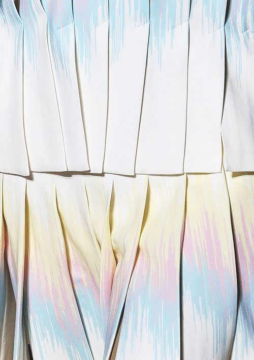#fashion #detail #pale #graphic