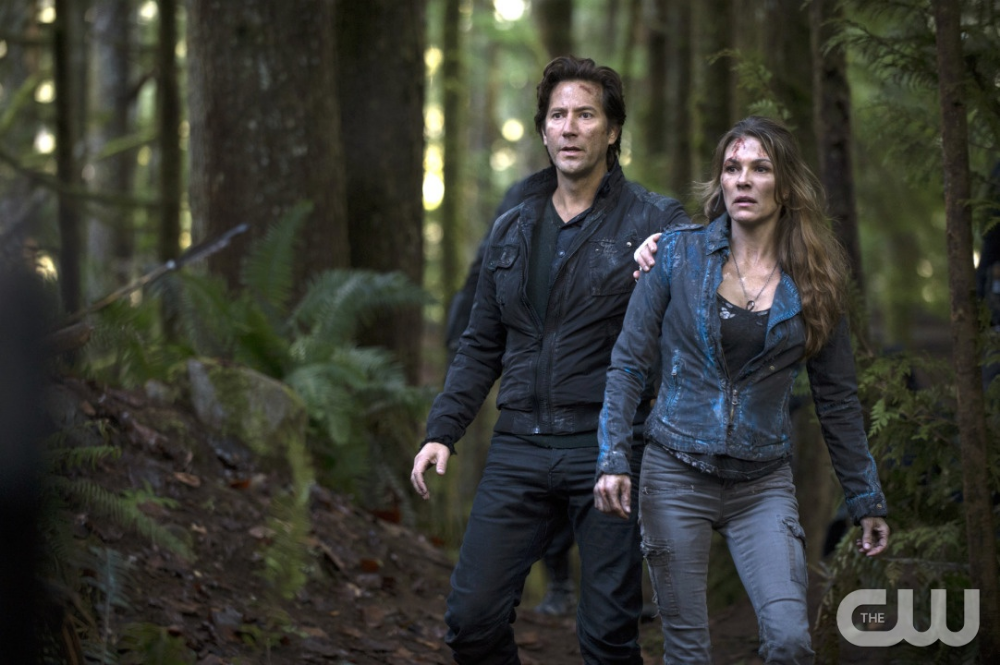 The100 2x01 The 48 Kane And Abby 100 Season 2 The 100 The 100 Tv Series