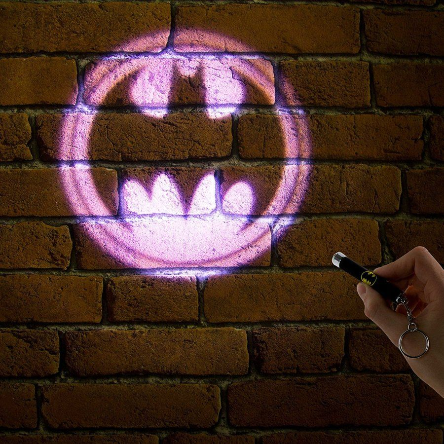 DC Comics Batman Projector Flashlight Keychain Reflects Cool Bat Signal NEW