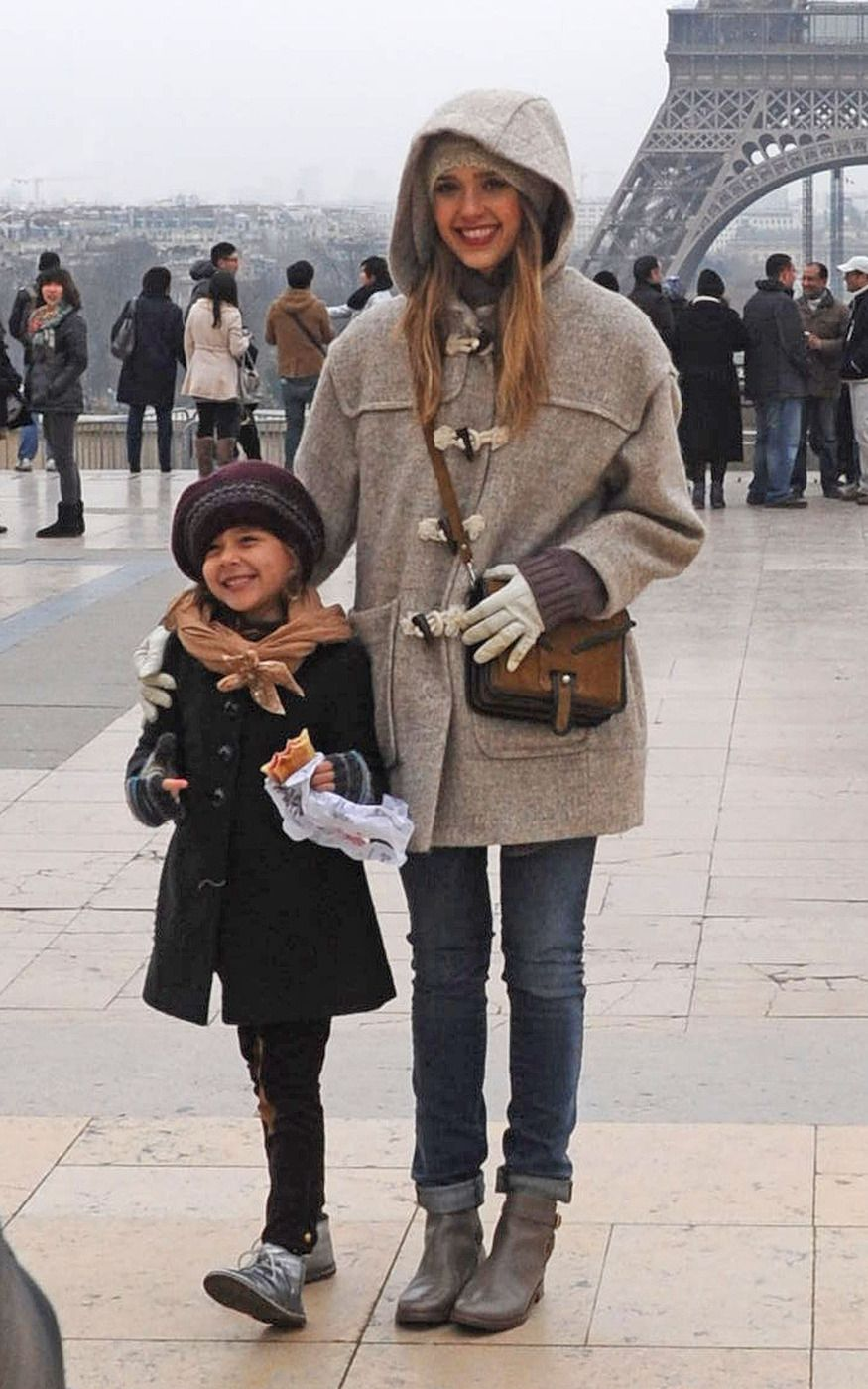 Jessica Alba and Honor Strike a Sweet Pose in Paris | Look at the cute pictures here