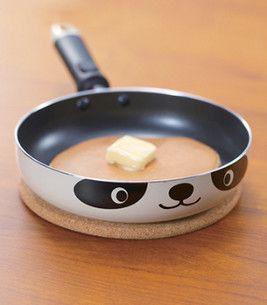 好可愛的平底鍋!!!(一開始我還以為是狗XD)