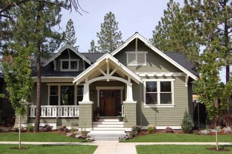 462_2_craftsman traditional along with craftsman home exterior traditional