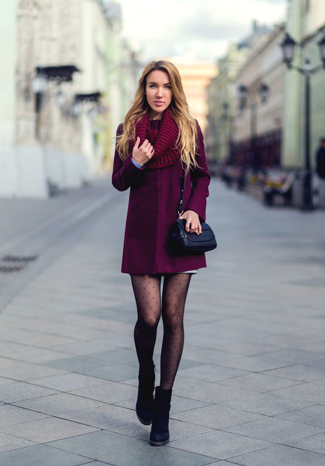 25 Outfits With Tights to Keep You Warm andStylish pictures