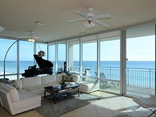 Seabliss At Signature Beach Gulf Front Luxury Walls Of Windows Destin Flvacation Rental In Destin From Homeaway Vacation Rental Travel Ho Luxury Condo