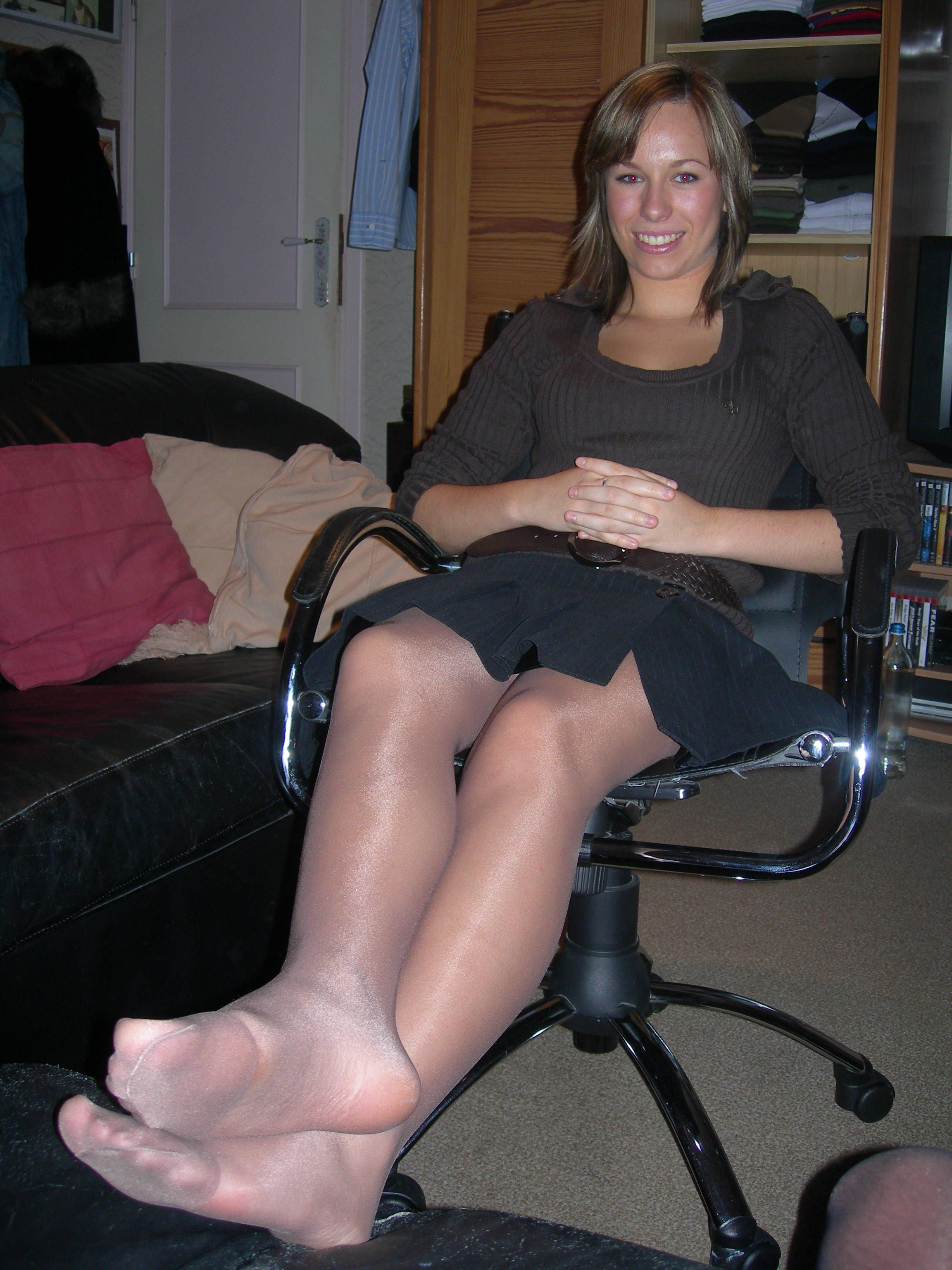 To Her Pantyhose And Legs 91