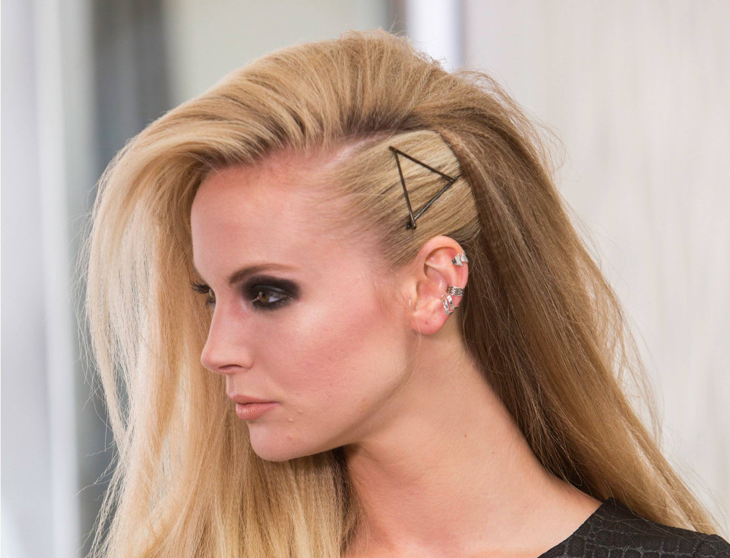 5 Gorgeous Hairstyles Anybody Can Dress In This Spring Beauty Hair Styles Gorgeous Hair Hair Beauty