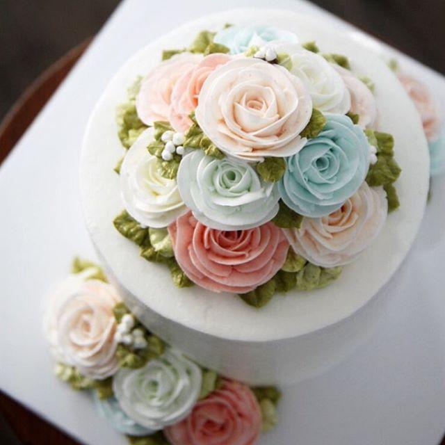 #장미 #버터플라워 #버터크림케이크 #버터크림플라워 #케이크 #플라워케이크 #butterflower #buttercreamcake #buttercreamflowercake #flowercake #cake
