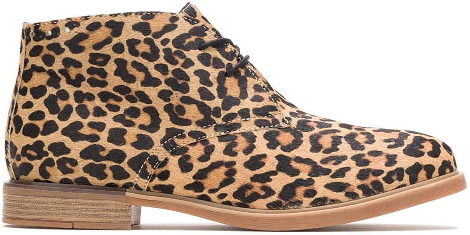 Amazon Com Hush Puppies Women S Bailey Chukka Boot Leopard Calf Hair 8 5 M Us Ankle Boot Hush Puppies Women Shearling Boots Woman Womens Mid Calf Boots