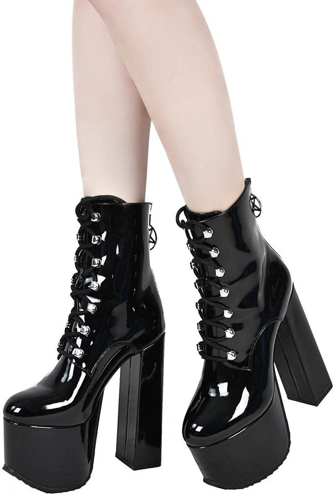 Combat boots, the coolest black boots of winter 2020 The