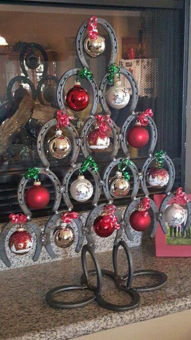 Horse Shoe Xmas Tree We Made This Year Xmas Crafts Christmas