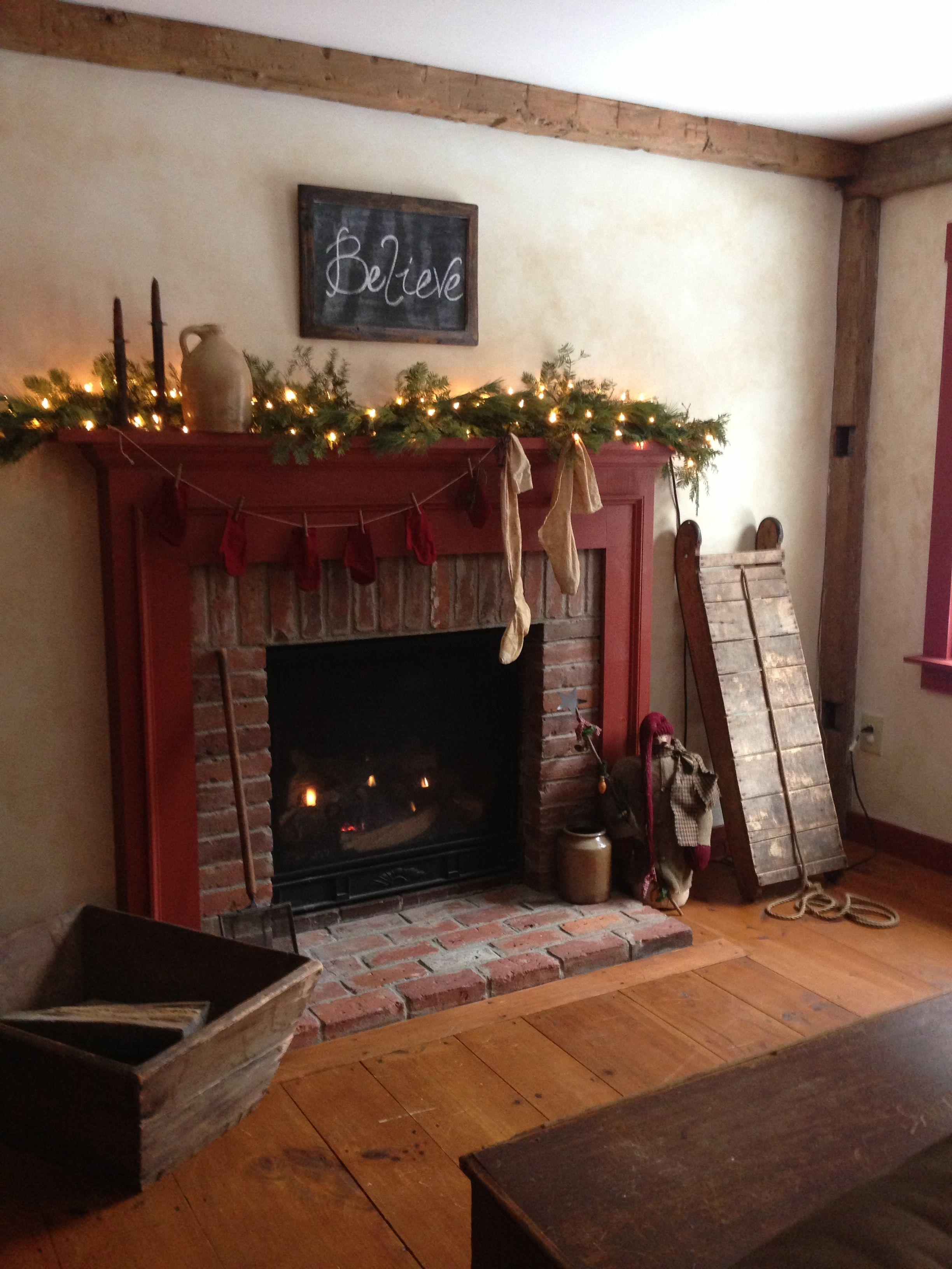 gas fireplace with colonial mantle style decorated for a primitive christmas our primitive. Black Bedroom Furniture Sets. Home Design Ideas