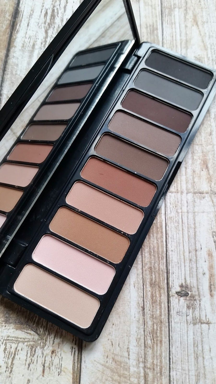 Elf Clay Eyeshadow Palette Necessary Nudes 26oz Products In