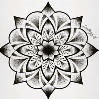 mandala tattoo pesquisa google designs de tatuagem pinterest mandalas recherche et. Black Bedroom Furniture Sets. Home Design Ideas