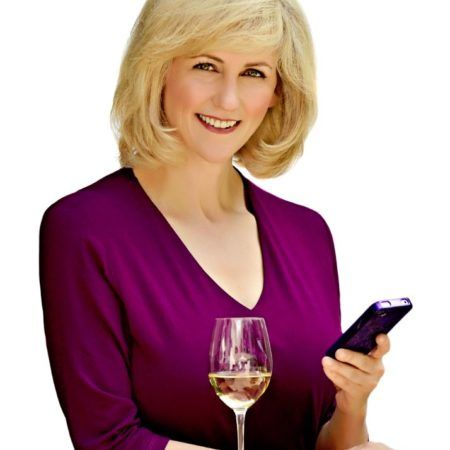 Natalie MacLean's Improved NatDecants   The real power of the new version of the NatDecants app is access to 270,000 expert wine ratings from Canada's largest wine review site. This together with the wine pairing database means NatDecants is like a sommelier in your pocket. NatDecants is the one application every Canadian wine lover needs.